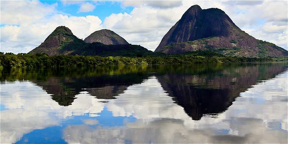 Corredores turísticos de Colombia cerros de Mavecure