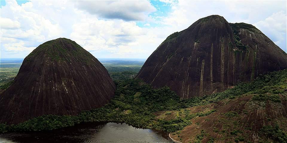 Viajar por el sur de Colombia - Cerro Mavecure