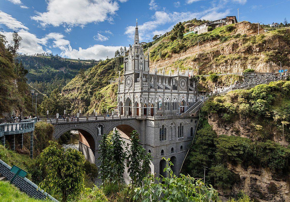 Iglesias en colombia - Santuario las Lajas