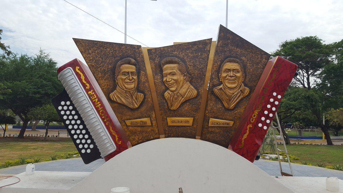 Festival-Vallenato-en-Valledupar - Monumento a los 3 grandes del vallenato