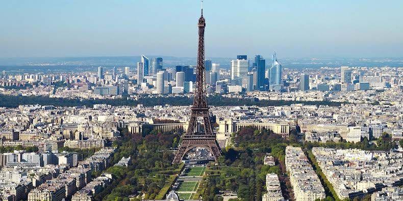 Renta de Autos en Paris - Destinos internacionales para viajar con mama