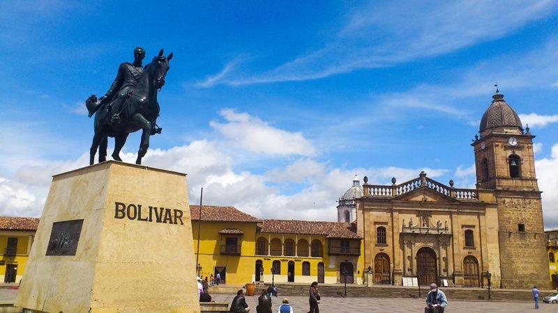 Qué hacer en Tunja - Plaza Simon Bolivar