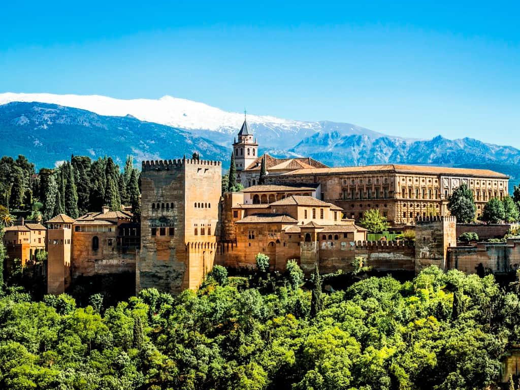 Las mejores ciudades de España - Alquiler de Carros en Granada