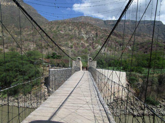 Planes exóticos en Colombia - Puente colgante McCormick