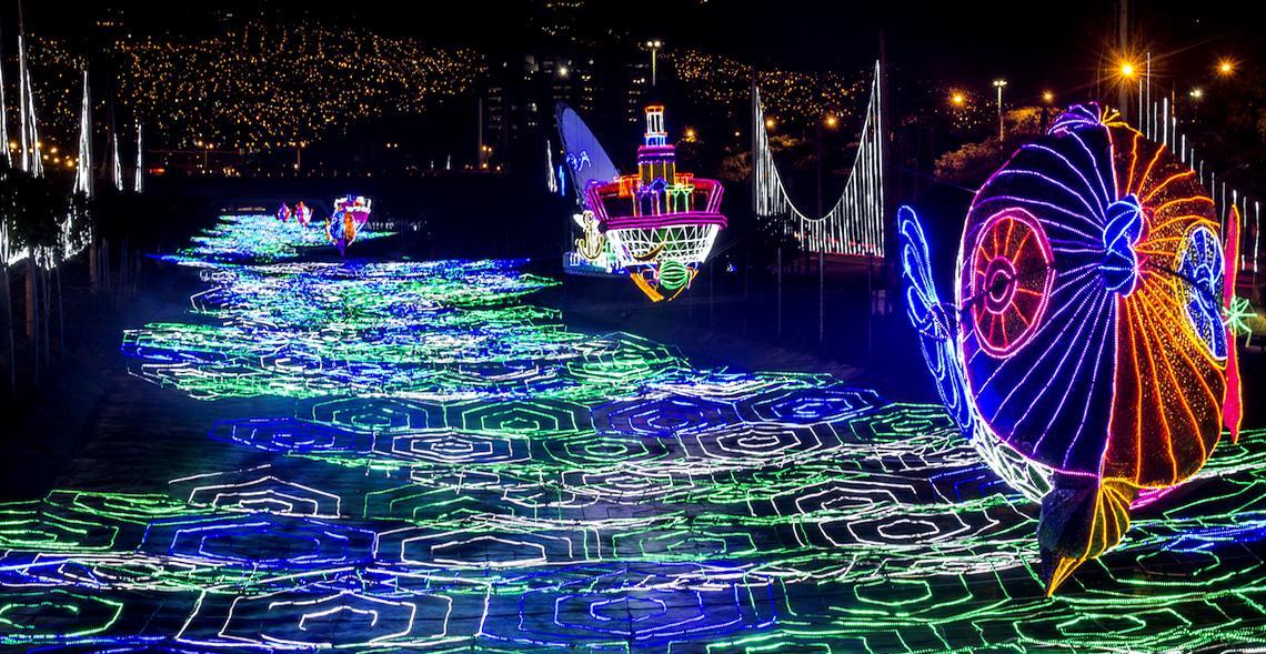 Medellín en navidad - Alquiler de Autos en Medellin