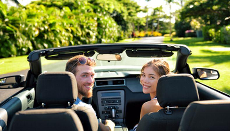 Razones para alquilar un carro en vacaciones