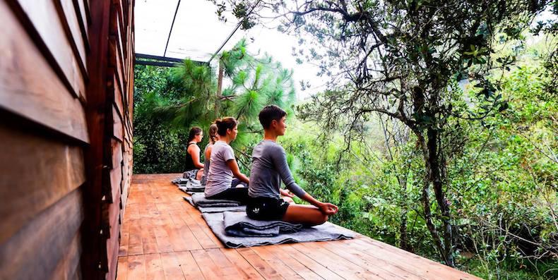 yoga en Medellín - Carros de alquiler