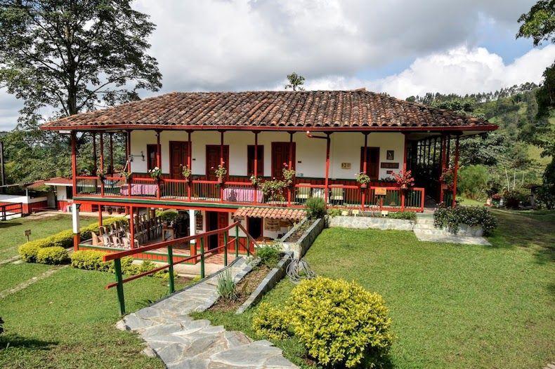 Recorrer Colombia por carretera - Alquiler de carros en Eje Cafetero