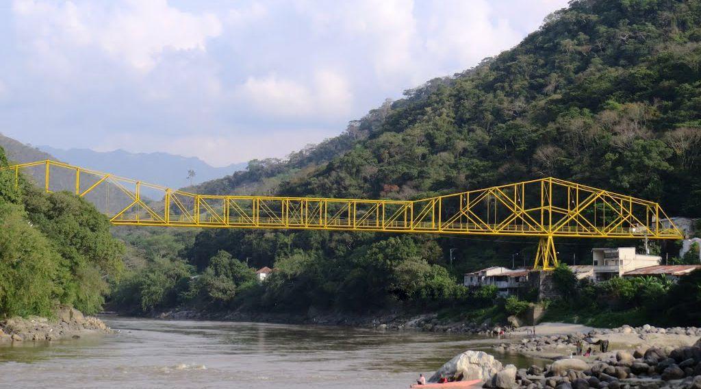 carretera que une a Bogotá con Antioquia - Puente de Guaduas