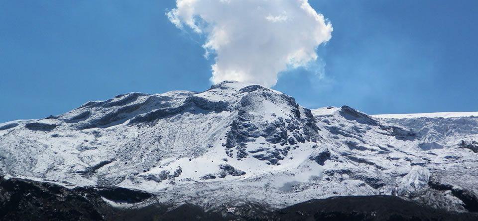 carretera que une a Bogotá con Antioquia - Nevado del Ruiz